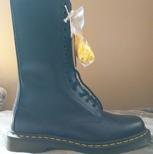 Dr martens 1914 smooth size 8